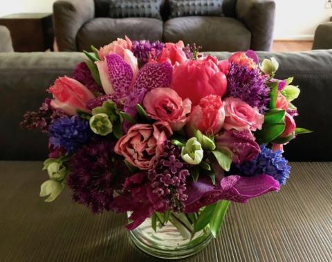 ultravioletflowersdc.com
